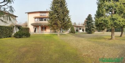 foto Villa Vendita Fenegrò