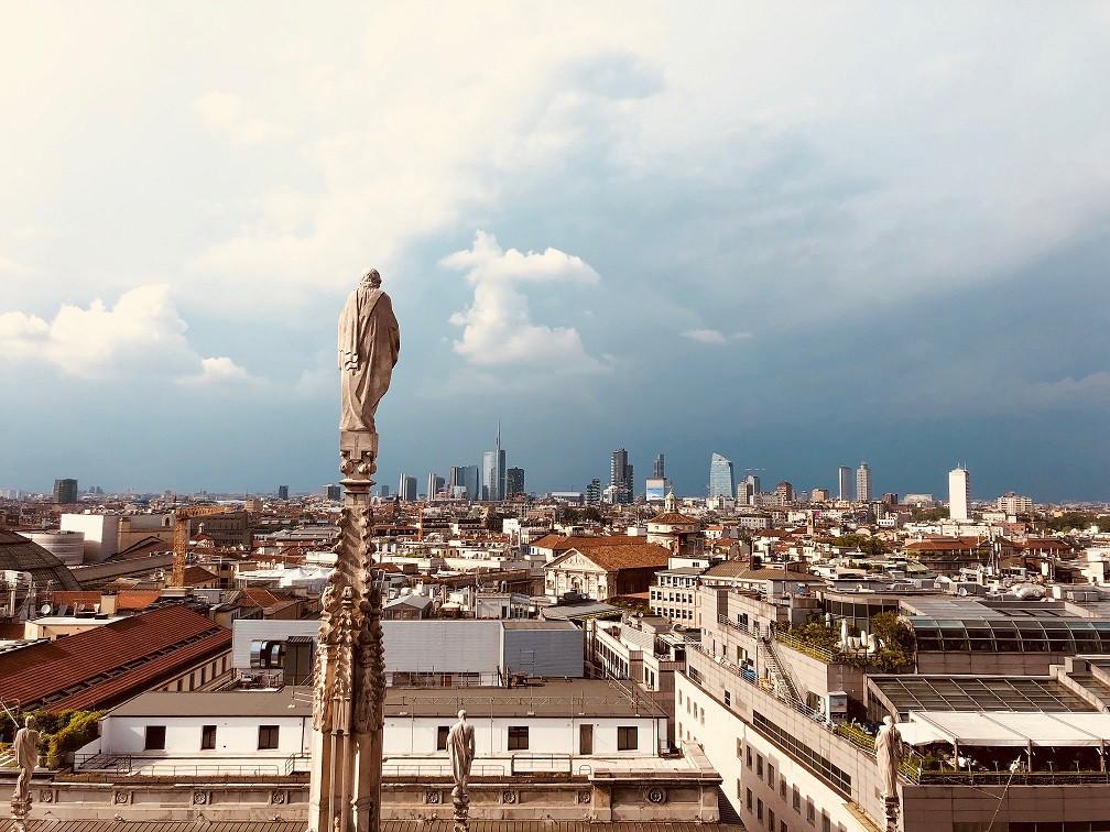 Investire a Milano: l'immobile non di pregio frutta l'1,6% all'anno in più del lusso